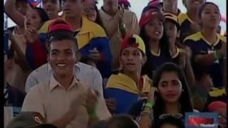 نيكولاس مادورو يرقص السالسا!