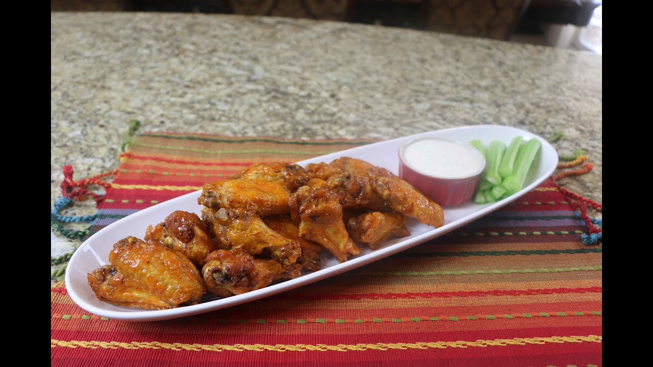 The best buffalo wings recipe awesome hot wings recipe youtube forumfinder Choice Image