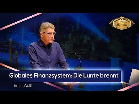 """17. AZK: Ernst Wolff: """"Globales Finanzsystem: Die Lunte brennt ..."""""""