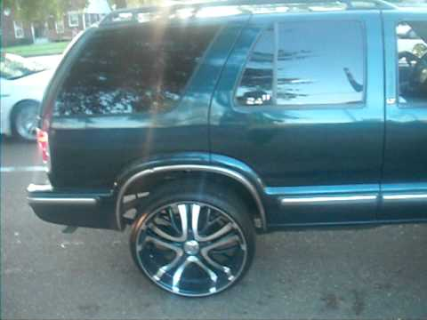 Chevy Blazer on 24 inch rims - YouTube