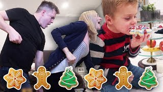CHRISTMAS COOKIE DECORATING | Most Embarrassing Dance Moves 😳