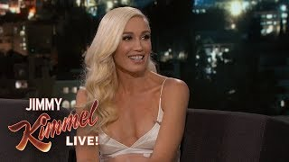 Gwen Stefani & Blake Shelton Bonded Over Christmas Music