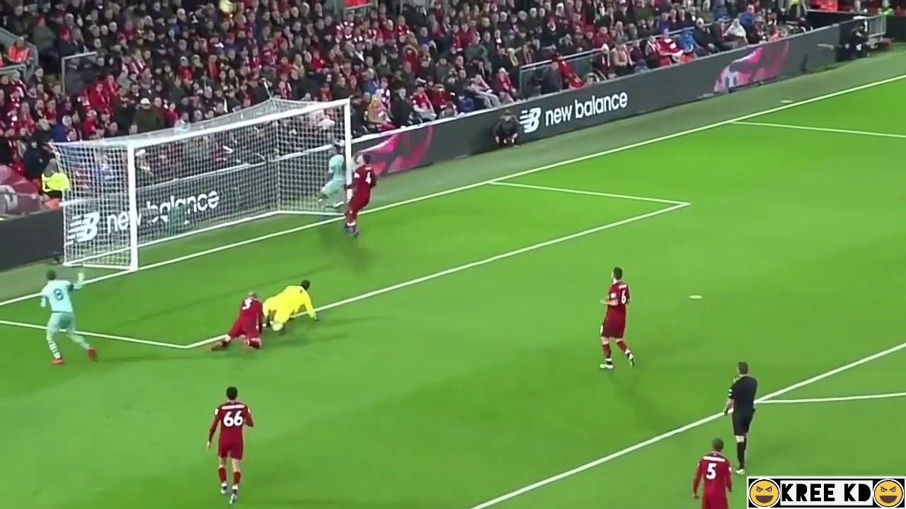Aubameyang Open Goal Miss vs Liverpool ...