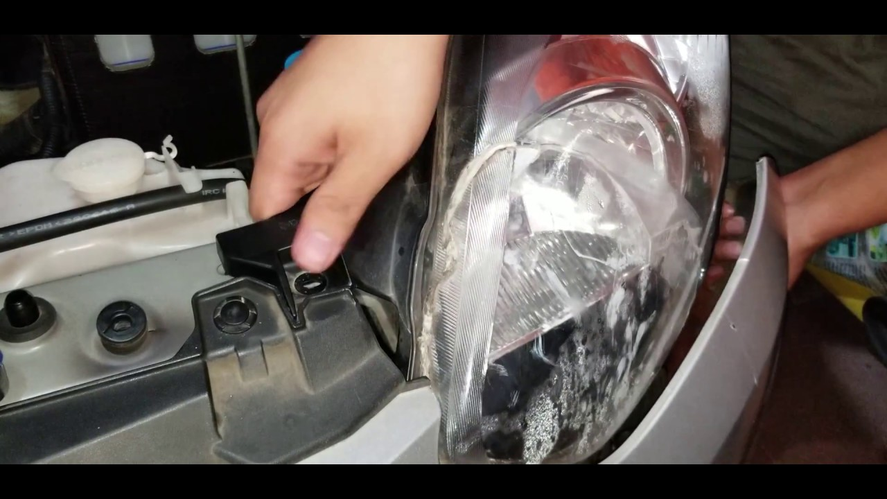 Cara Melepas Headlamp Lampu Agya Ayla Youtube