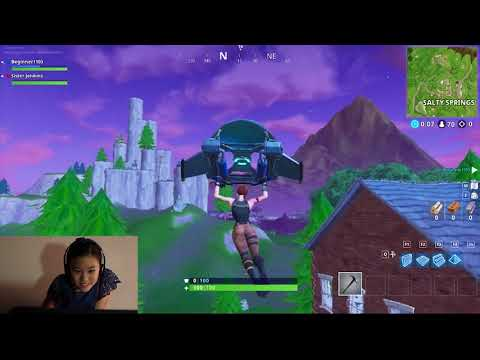 10 Y/O GIRL TRIES TO PLAY FORTNITE FOR THE FIRST TIME