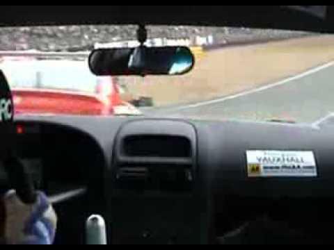 BTCC 2001   Brands Hatch   Plato vs Thompson