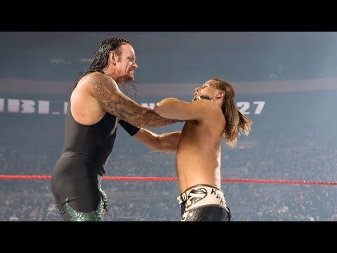 The Undertaker and Shawn Michaels kick off the Royal Rumble Match: Royal Rumble 2008