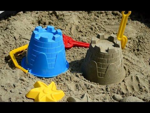 Sandbox from truck tyre