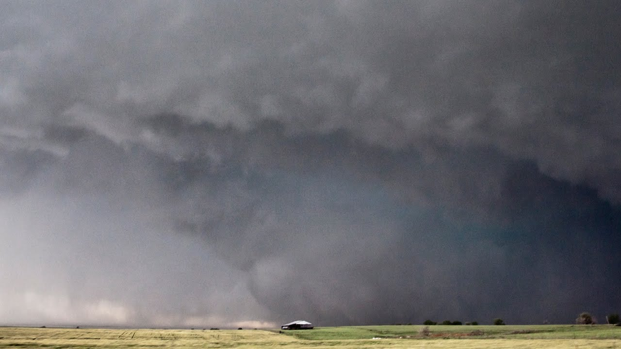 unpredictable storm in oklahoma turned on three chasers cnn