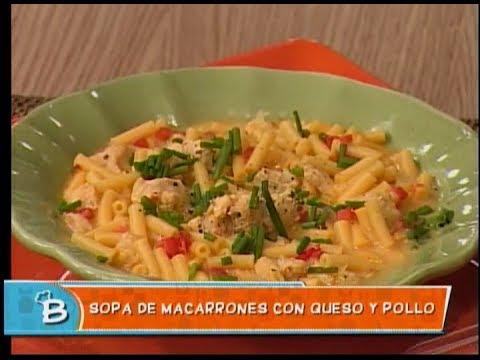 Sopa de macarrones con queso y pollo