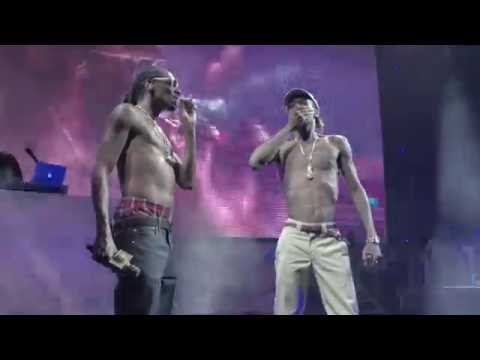 Snoop Dogg and Wiz Khalifa (Kush Ups) 4K (AMAZING QUALITY) - The High Road Tour Chicago 2016
