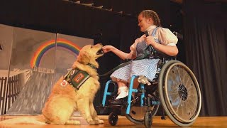 17-Year-Old Stars in 'Wizard of Oz' With Service Dog as Toto