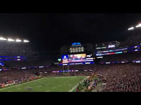 Patriots fans singing to Bon Jovi at Gillette AFC Championship game