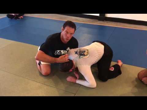 Darce Choke From Knee Cut No-gi by Ricardo Almeida