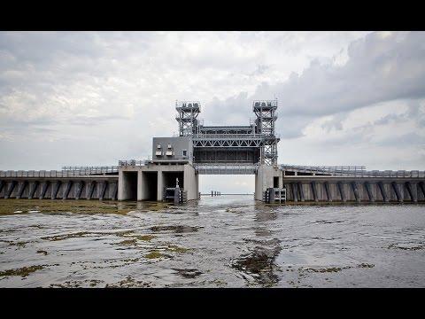 """The """"Great Wall"""" of Louisiana Full Documentary"""