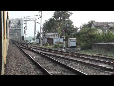 09004 NDLS-BCT AC Superfast Express Crossing Narmada River!!!!!