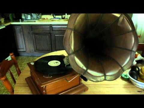 Amiga Records: Overscan.MOD on 78 RPM Gramophone
