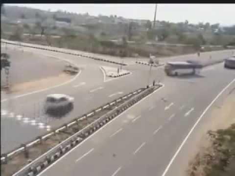 Clip tai nạn giao thông kinh hoàng không nên xem