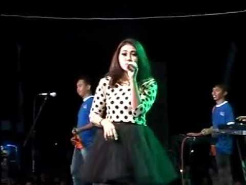 Via Vallen - Layang kangen Live At Lapangan Wijaya Kusuma Jaya Sampang