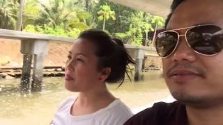 ncig caij nkoj ua si nyob Bangkok Floating Market