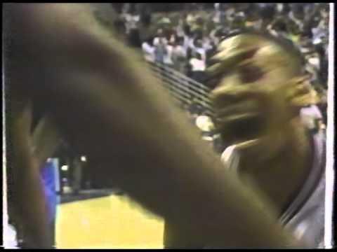 1994 Donyell Marshall 360 Dunk vs. Seton Hall