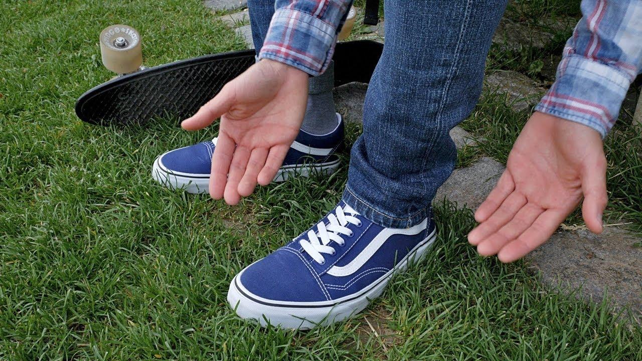 fac9f07c49 3 formas de doblar tus jeans para verte mejor - YouTube