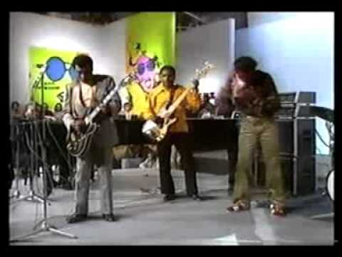 The Aces with T Bone Walker, Lafayette Leake and Chuck..
