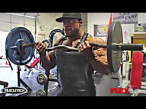 Phil Heath's 23-Inch Biceps Workout For Mass On The Road ...  Phil Heath'...