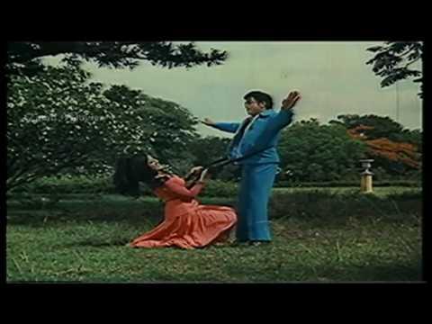Alangaram Kalaiyatha HD Song