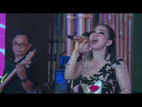 Semua Karena Cinta with Syahrini at Summarecon Mal Bekasi