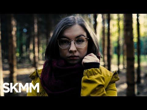July N. - Loss Bleim (Offizielles Musikvideo)