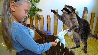 ВЛОГ Контактный Зоопарк для детей. Ярославе ПОПУГАЙ показал язык) Кормим, гладим, играем с животными