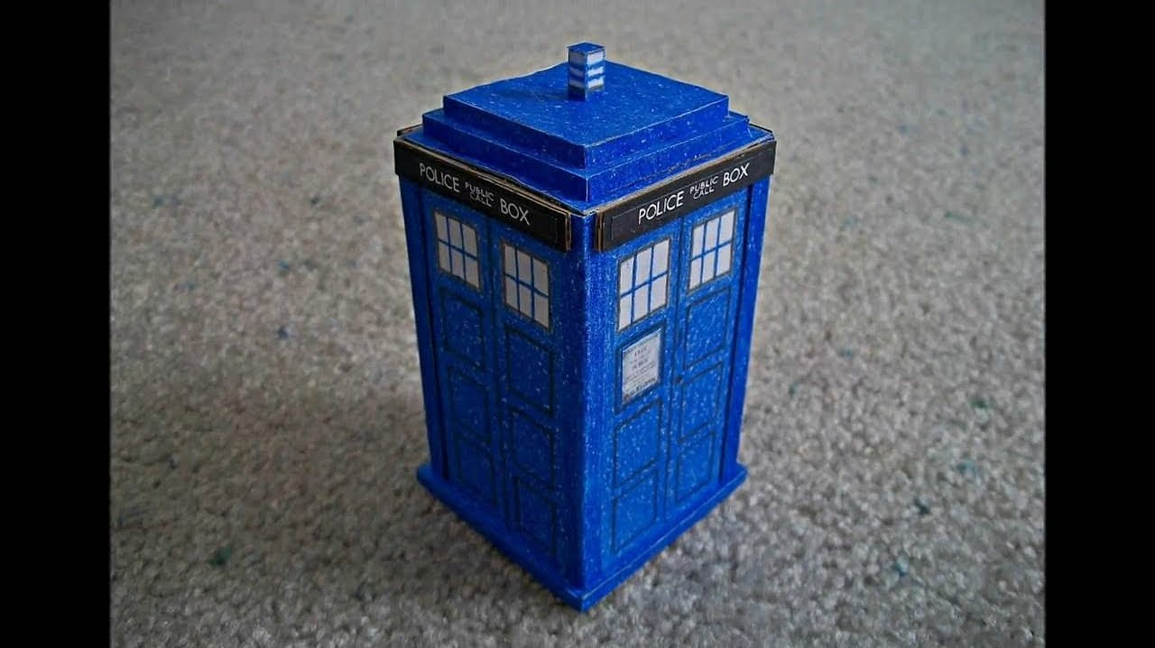 Papercraft Paper Model of the Tardis from