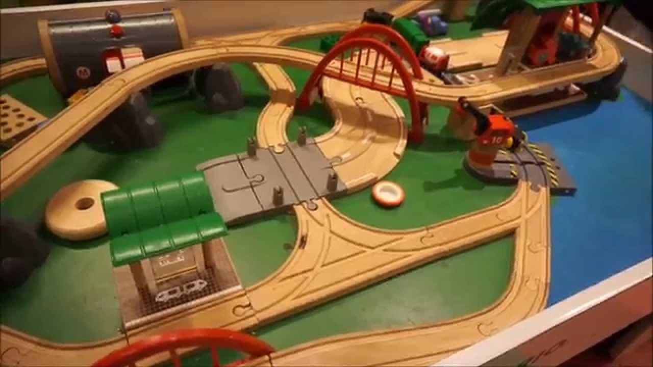 Brio Deluxe Railway Set - YouTube