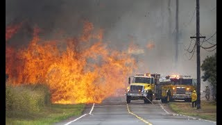 Honolulu Firefighters Battle Large Brush Fire Off Kunia Road