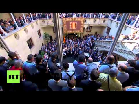 Spain: Catalans defy Madrid on independence vote