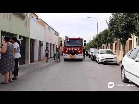 VÍDEO: Un incendio afecta a los patios de dos viviendas de la calle Palenciana de Lucena