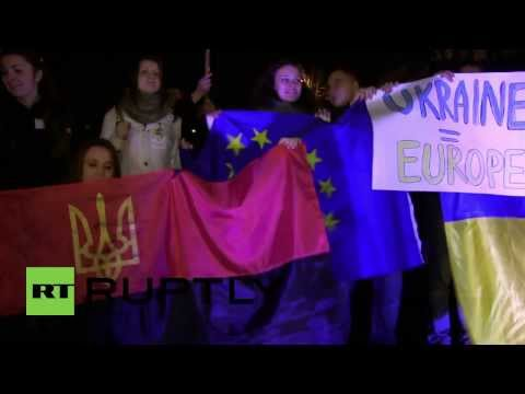 Ukraine: Thousands gather in support of EU integration