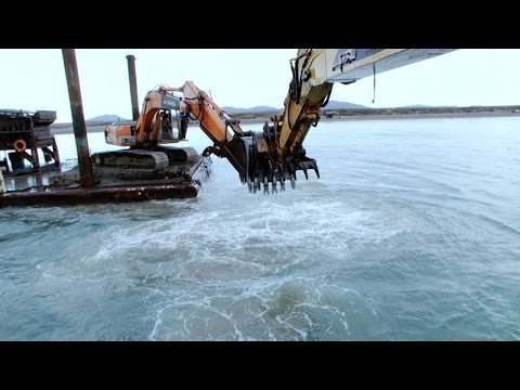 Mega Dredge Battle  Bering Sea Gold