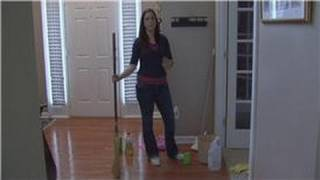 Housecleaning Tips : Using Vinegar to Clean Wood Floors