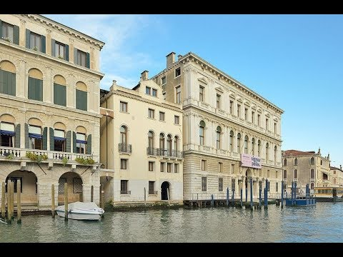 Places to see in ( Venice - Italy ) Palazzo Grassi