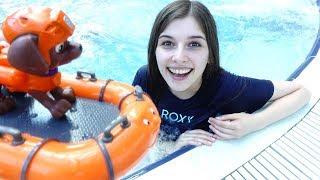 ToyClub шоу - Щенячий патруль в аквапарке - Видео для детей