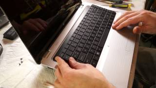 how to remove and install a keyboard in a HP Pavilion DV7 laptop