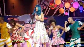 Katy_Perry concert new song version ema 2011