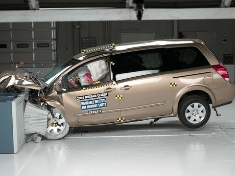 2004 Nissan Quest moderate overlap IIHS crash test - YouTube