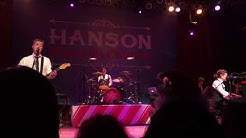 """Hanson singing """"Peace On Earth"""" at HOB Chicago on 12.03.17"""