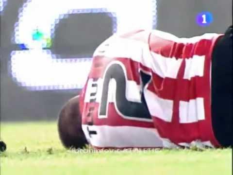 Víctor Valdes Vs Gaizka Toquero [ Agresión ][ Aggression ] FC Barcelona - Athletic Bilbao