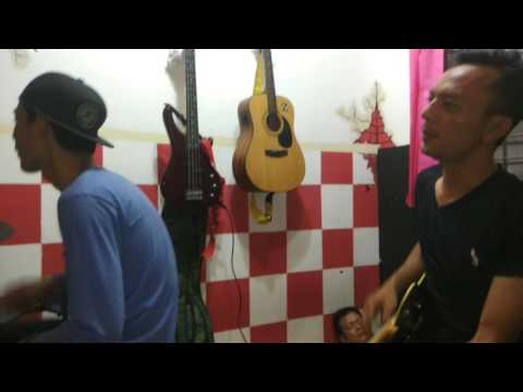 Naff - kau masih kekasihku (cover coach piyu with coach Gitar Sulis)