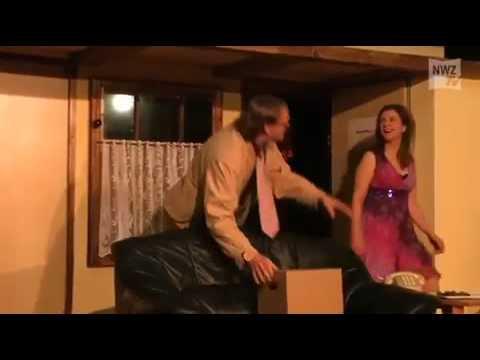 Der nackte Wahnsinn im Theater Fatale - YouTube