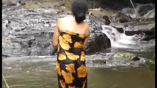 Download Video sl girls  bathing 4 MP3 3GP MP4
